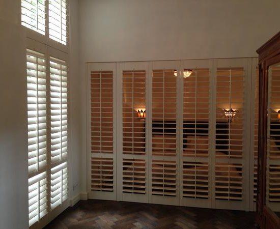 Volets intérieurs en bois 5-vantaux