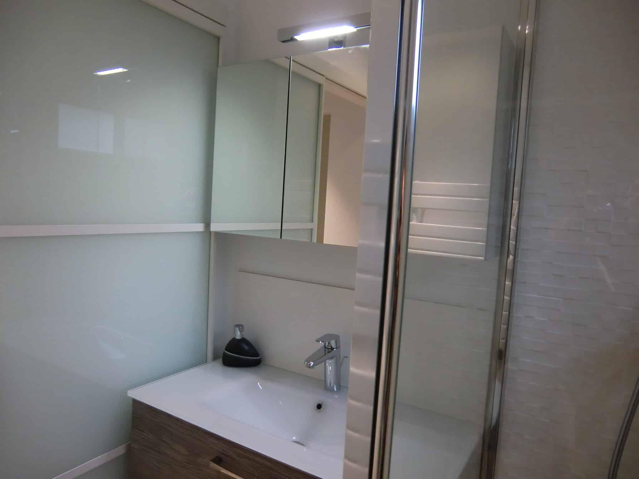 Appartement montpellier 70m for Salle de bain annee 70