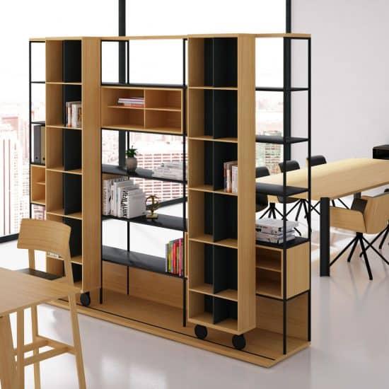 Salon salle à manger avec coin bibliothèque