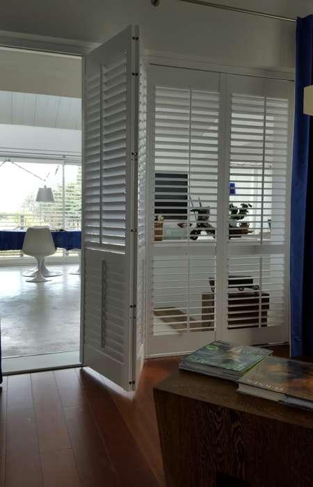 2-volets-interieurs-en-bois